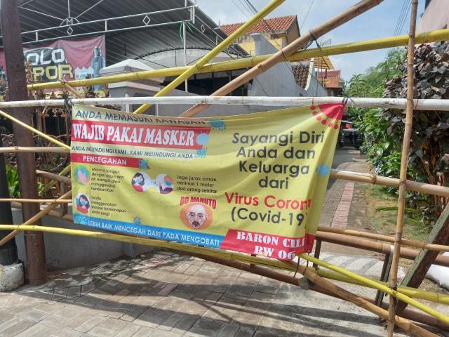 Warga Kampung Bumi Gotong-Royong untuk 14 Orang yang Dikarantina (60339)