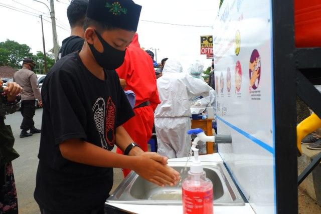 Foto: Rapid Test di Dua Perbatasan Bandar Lampung Jelang Libur Panjang (22679)