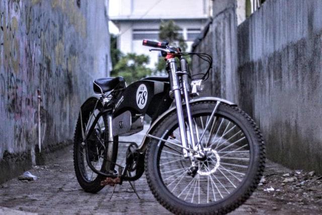Bikin Sepeda Lowrider Rasa Motor Listrik, Modalnya Rp 25 Juta! (63027)