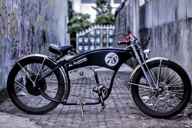 Bikin Sepeda Lowrider Rasa Motor Listrik, Modalnya Rp 25 Juta! (63028)