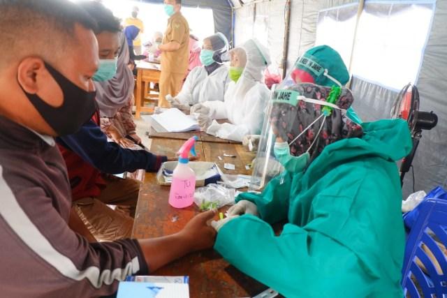 Dua Hari Pemeriksaan Rapid Test di Perbatasan Bandar Lampung, 16 Orang Reaktif (21369)