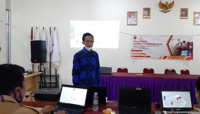 Dosen Itera Dampingi Desa Banding Lampung Selatan Manfaatkan Teknologi Informasi (305216)