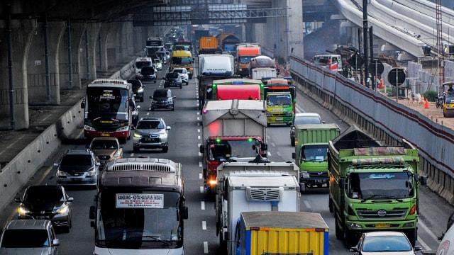 Tol Jakarta - Cikampek Padat, Jasamarga Berlakukan 3 Rekayasa Lalu Lintas (132043)