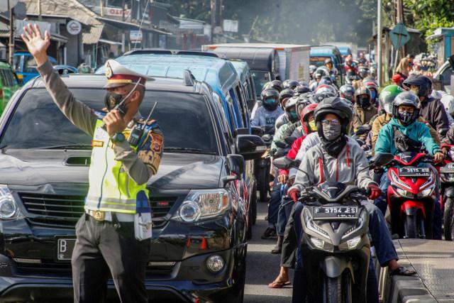 Viral Ambulans Lawan Arah dan Tabrak Motor, Bagaimana Seharusnya? (126283)