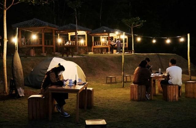 Sensasi Camping Cantik di Urban Camp Malang (315850)