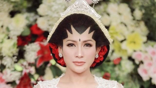 Selamat! Tata Janeeta Hamil Anak Pertama dari Raden Brotoseno (53614)