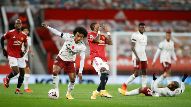 Arsenal Vs Manchester United Prediksi Line Up Head To Head Jadwal Tayang Kumparan Com