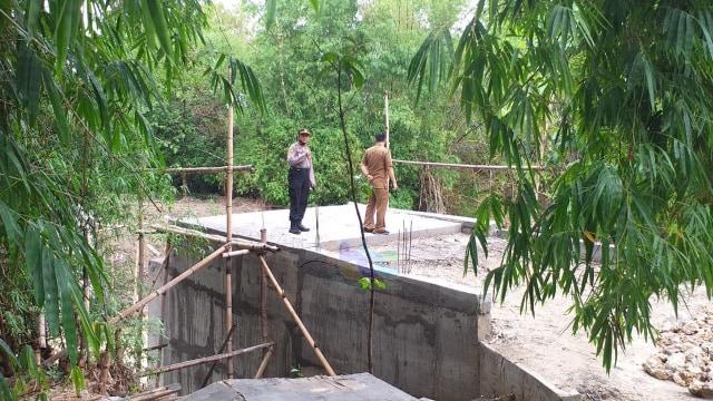 Jembatan Darurat di Bojonegoro Putus Diterjang Banjir, Aktivitas Warga Terganggu (403474)