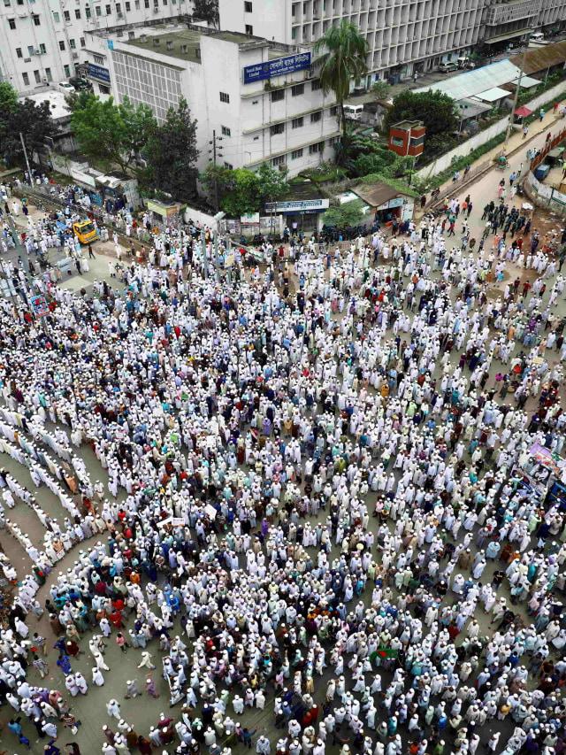 Foto: Lautan Manusia di Bangladesh Kecam Emmanuel Macron (103351)