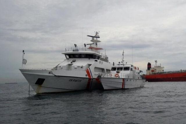 Nahkoda dan KKM di Padang Ditangkap Karena Diduga Pakai Ijazah Pelayaran Palsu (94350)