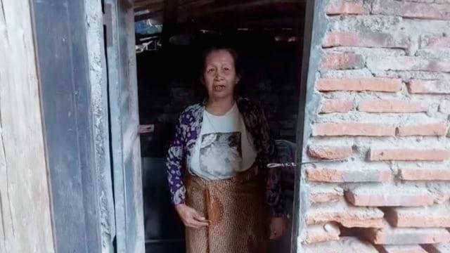 Video: Nenek ini Tercoret dari Penerima Bansos COVID-19 Pemkab Brebes (49382)
