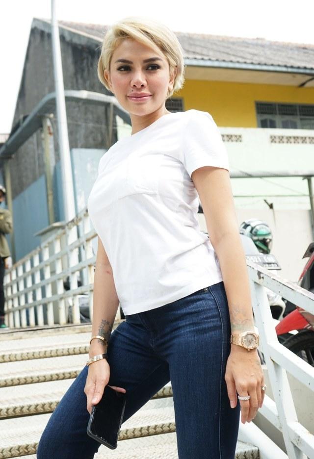 Nikita Mirzani Murka Karantina di Hotel Bintang 5: Makanan Asin, Kamar Panas (490431)