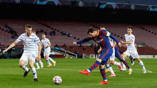 Barcelona Vs Dynamo Kyiv Gol Penalti Messi Bantu Blaugrana Menang Kumparan Com
