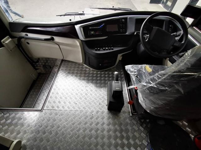 Intip Kemewahan Bus Double Decker Laju Prima, Punya Sunroof! (256)