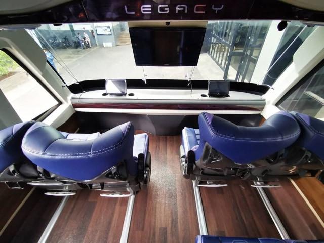 Intip Kemewahan Bus Double Decker Laju Prima, Punya Sunroof! (260)