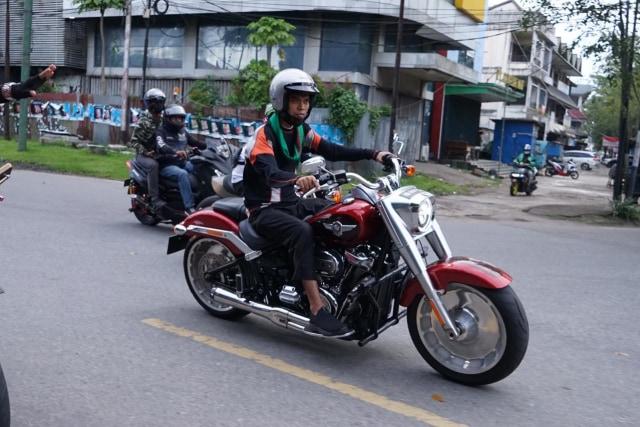 Foto: UAS Keliling Pontianak Naik Moge Harley Davidson (75773)