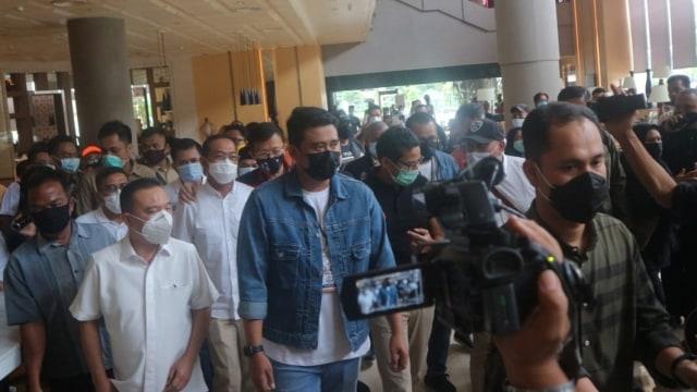 Debat Perdana Pilwalkot Medan, Bobby Ditemani Kahiyang dan Diantar Sandiaga Uno (243792)