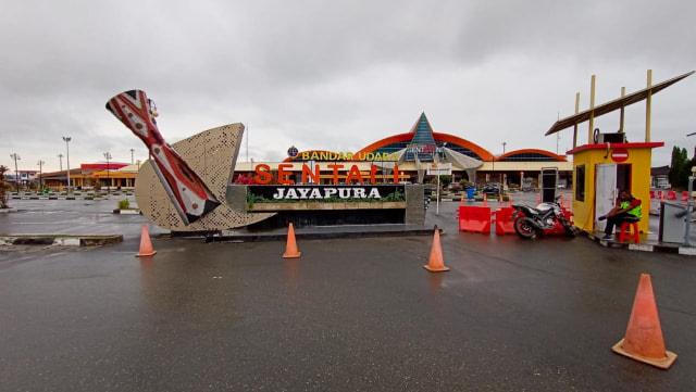 Bandara Sentani Jayapura Ganti Nama Dortheys Hiyo Eluay (137600)