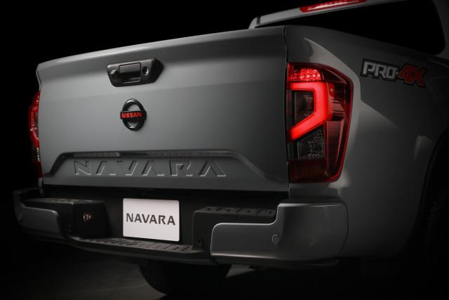 Nissan Navara Facelift Meluncur, Tampilan Jadi Lebih Sangar (13)