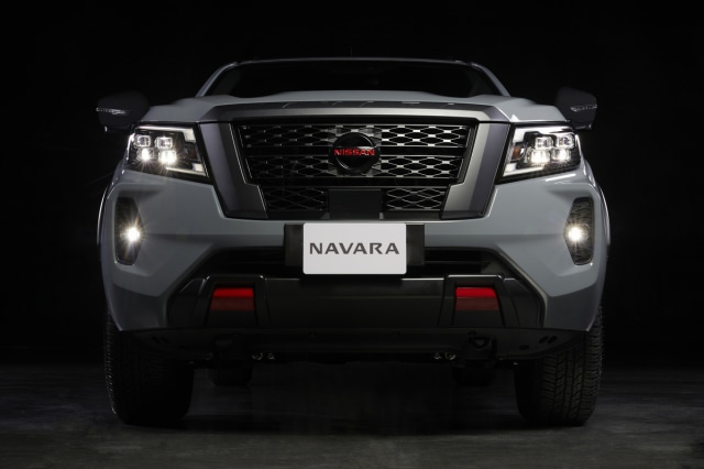 Nissan Navara Facelift Meluncur, Tampilan Jadi Lebih Sangar (3)