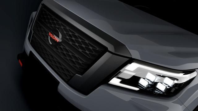 Nissan Navara Facelift Meluncur, Tampilan Jadi Lebih Sangar (2)