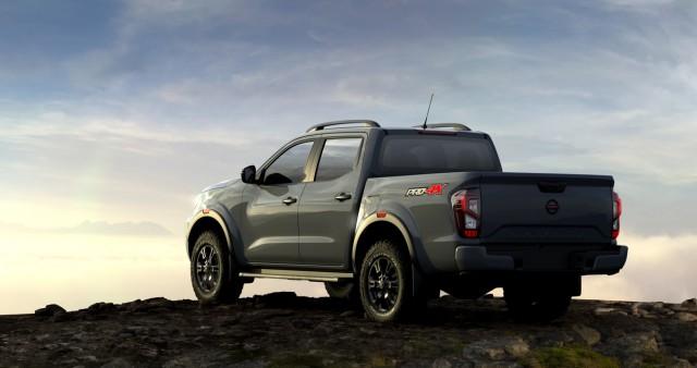 Nissan Navara Facelift Meluncur, Tampilan Jadi Lebih Sangar (8)