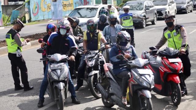 Dua Pekan Operasi Zebra di Aceh, Polisi Tilang 1.875 Pelanggar Lalu Lintas (311622)