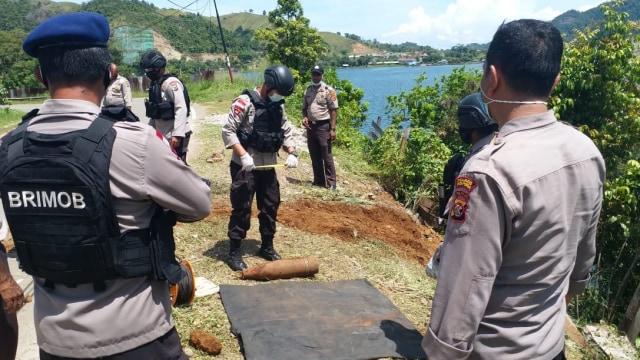 Bom Mortir Peninggalan PD II Ditemukan Dekat Danau Sentani Jayapura  (89076)