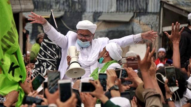 Saling Singgung Pangdam Jaya vs FPI soal Baliho Habib Rizieq (242077)