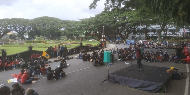 Aliansi Malang Melawan Kembali Demo Tolak Omnibus Law (107465)