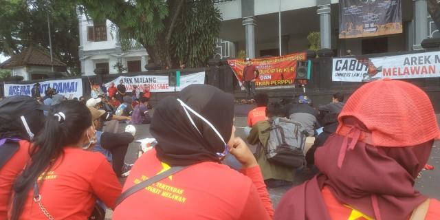 Aliansi Malang Melawan Kembali Demo Tolak Omnibus Law (107467)