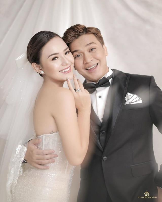5 Gaya Photoshoot Seleb Pacaran Layaknya Prewedding, Bikin Netizen Baper (38291)