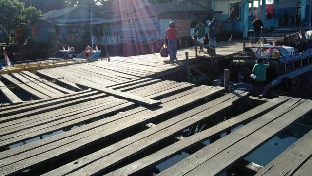 Dermaga Pelabuhan Speedboat di Morotai Bahayakan Penumpang (44889)