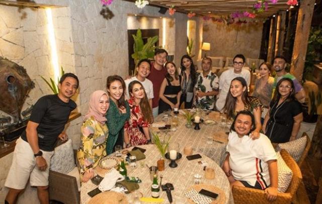 7 Potret Keluarga Raffi Ahmad saat Berlibur Ke Sumba (601974)