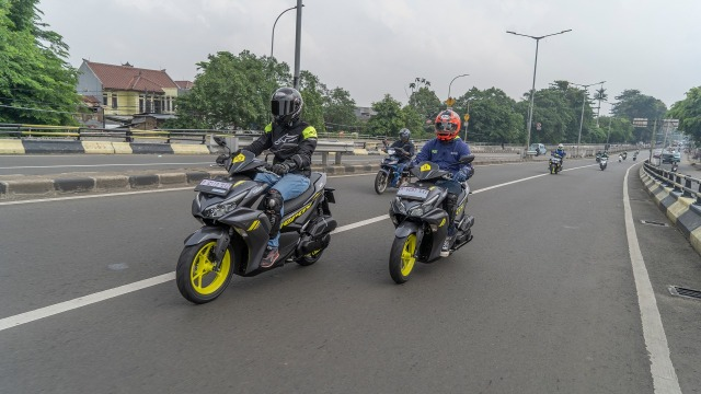 Catatan Kami Setelah Mencoba All New Yamaha Aerox di Jalan Raya dan Sirkuit  (571236)