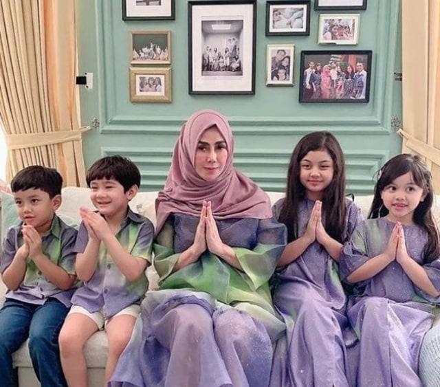 7 Potret Rafathar Bersama Sang Nenek, Amy Qanita (388803)