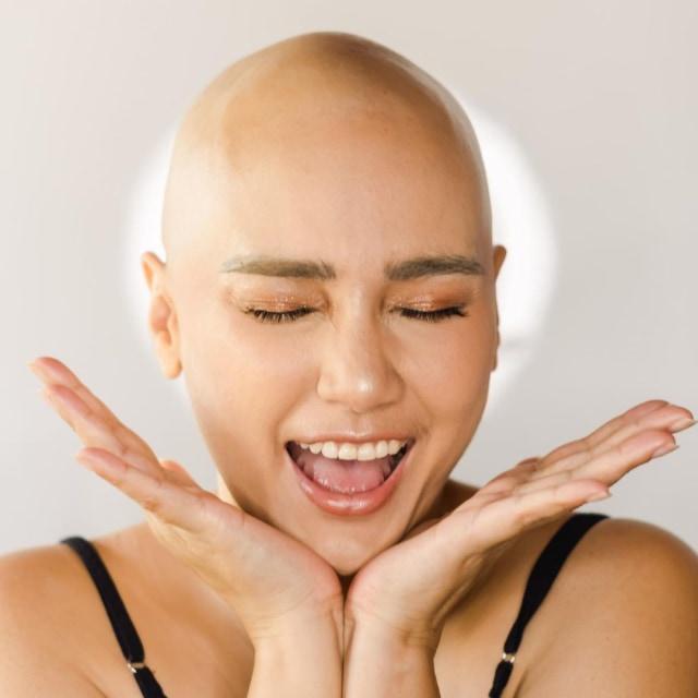 Sumringah, 5 Potret Bahagia Feby Febiola yang Sembuh dari Kanker Ovarium (4)