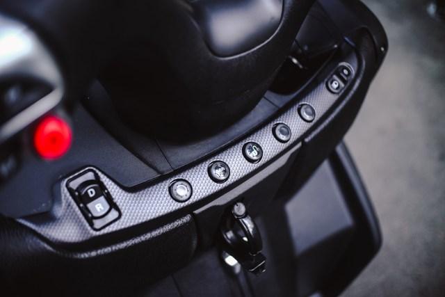 Foto: Lebih Dekat dengan Piaggio MP3 500 HPE, Skutik Canggih Beroda 3 (85202)