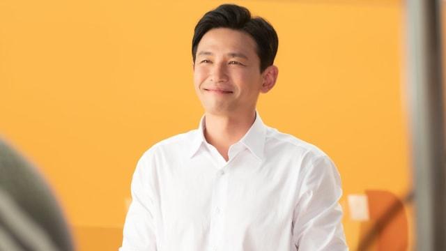 Hwang Jung Min Jadi Reporter yang Lebih Mementingkan Makanan di Drakor 'Hush' (252152)