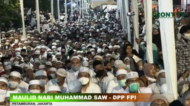 FPI Tanggapi Mahfud: Acara Jokowi di Banyuwangi, Gibran di Solo, Tak Jaga Jarak (49798)