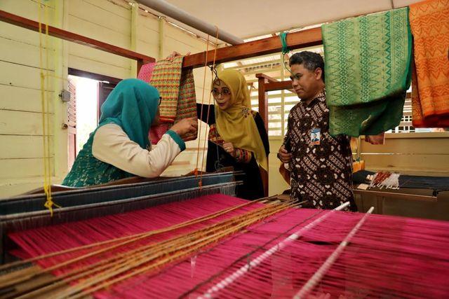 UMKM Aceh Didorong Manfaatkan Teknologi untuk Pemasaran di Tengah Pandemi Corona (19502)