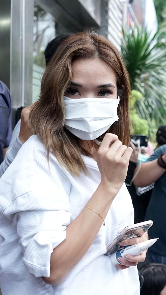 Pelapor Video Syur Tanggapi Kabar Gisel Temui Hotman Paris: Ada Kepanikan (75137)