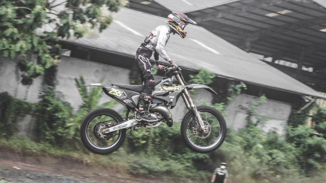 Foto: Keseruan Jajal Sirkuit Off-Road di Pulogadung, Jakarta Timur (674290)