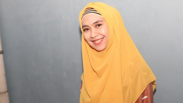 Penuh Haru, 10 Momen Oki Setiana Dewi Melahirkan Anak Ke-4 (200463)
