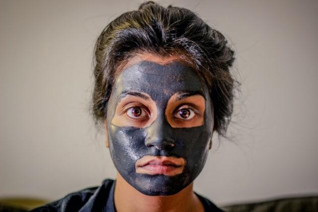 5 Manfaat Clay Mask untuk Kulit Wajah, Mengatasi Jerawat hingga Kulit Kering (28930)