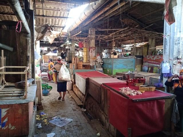 Ratusan Pedagang di Pasar Suradadi Tegal Kabur Saat Akan Dites Swab (11501)