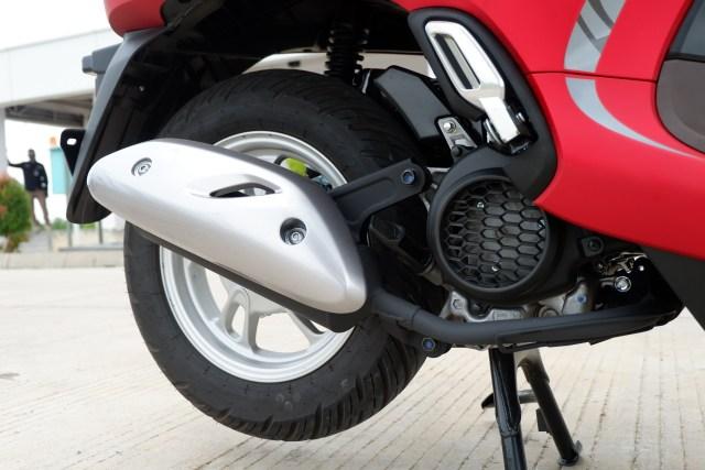 Menguji Kelincahan dan Akomodasi Honda Scoopy Baru, Bagasinya Muat Apa Saja? (48865)
