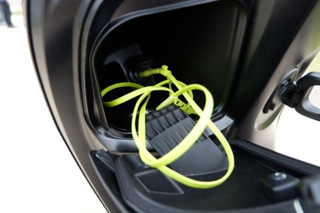 Menguji Kelincahan dan Akomodasi Honda Scoopy Baru, Bagasinya Muat Apa Saja? (48875)
