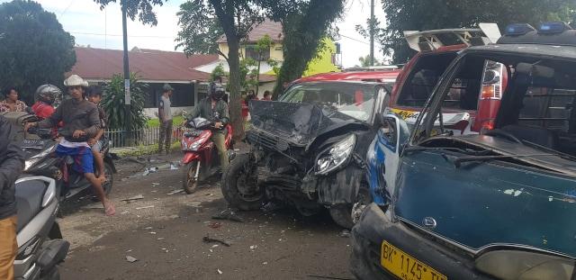 Sejumlah Korban Kecelakaan Tewas Tergeletak di Jalan dengan Kondisi Mengenaskan (115780)