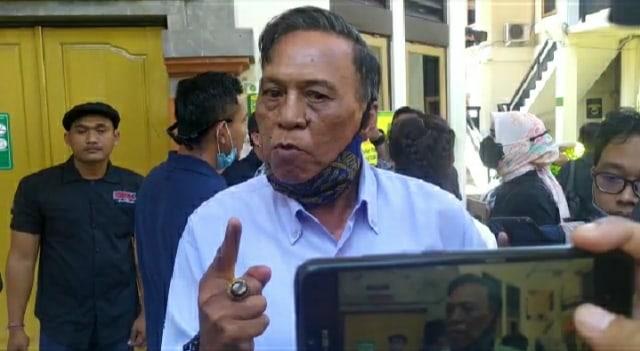 Ayah Jerinx Hormati Putusan Hakim, Bobby SID Masih Syok (302750)
